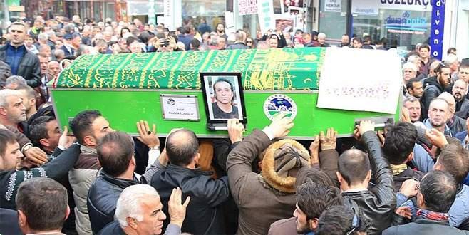 'Tek teker Arif'in cenazesi toprağa verildi