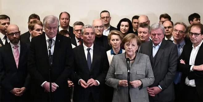 Almanya'da 'Jamaika' koalisyonu çöktü