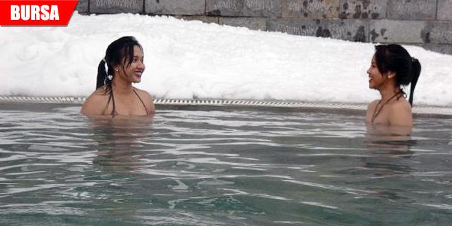 Eksi 10 derecede havuz keyfi