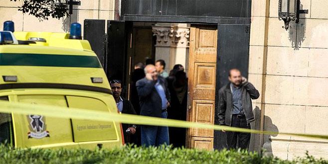 Mısır'da cami yakınında patlama