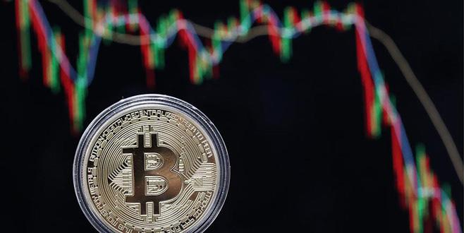 Bitcoin 10 bin doları gördü