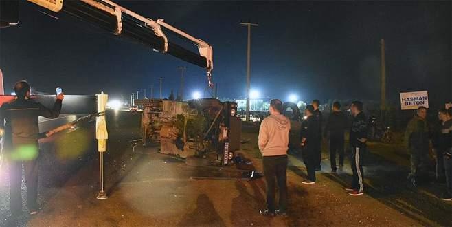 Askeri araç ile otomobil çarpıştı: 3'ü asker 5 kişi yaralandı