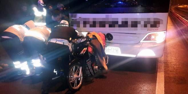 Yolcu otobüsü motosiklete çarptı: 1 ölü, 1 yaralı