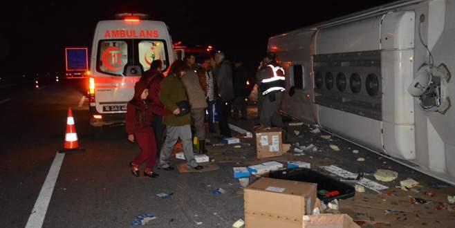 Bursa'da yolcu otobüsü kamyona çarptı! Ölü ve yaralılar var