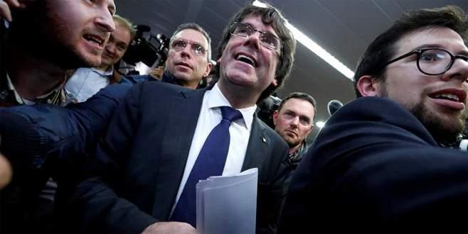 Katalan politikacılar serbest bırakıldı