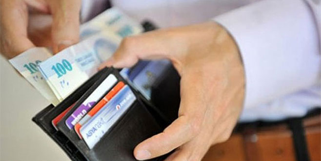 CHP: Asgari ücret 2000 TL'den az olmamalı