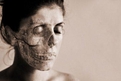 Ölü olduklarını düşünüyorlar! Dünyada yüz kişide görülen hastalık…