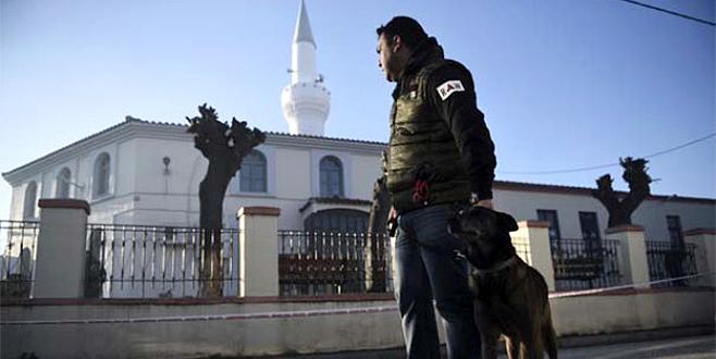 Türklerin evlerine tehdit mesajı bıraktılar