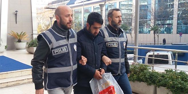 Bursa'da evlere dadanan hırsızlar kamerada