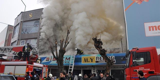 Dekorasyon dükkanında yangın