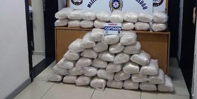 Durdurulan kamyonette 1 milyon 554 bin uyuşturucu hap