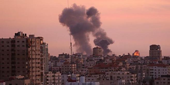 İsrail yine Gazze Şeridi'ni jetlerle vurdu!