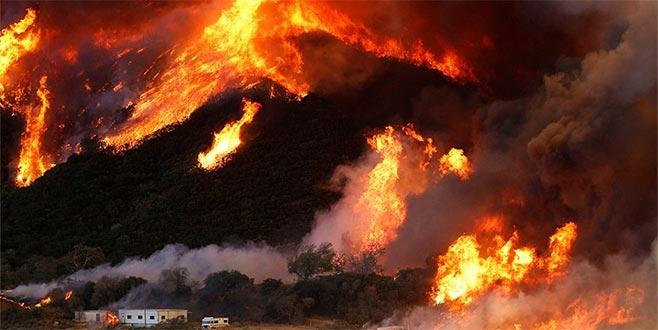 California'daki yangında bir itfaiyeci hayatını kaybetti