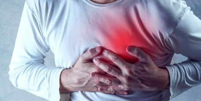 Şiddetlenen göğüs ağrısında '20 dakika' uyarısı