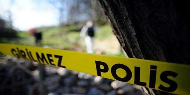 Kaybettiği cep telefonunu ararken ceset buldu