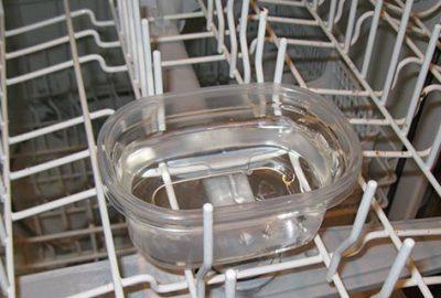 Bulaşık makinesini kötü kokulardan ve mikroplardan arındıran yöntemler!