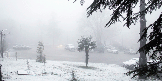 Yıldırım'da kar yağışı etkili oldu!