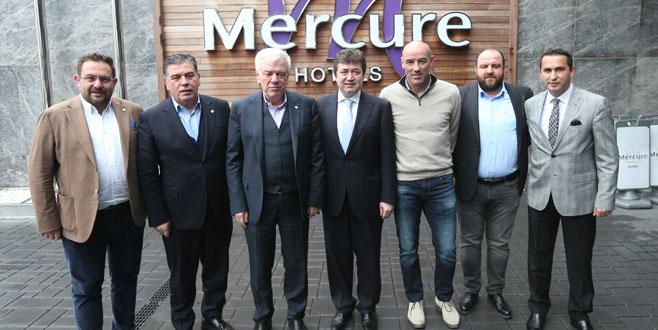 Bursaspor heyetinden Mustafa Çağlar'a ziyaret