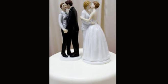Lezbiyen çifte düğün pastası yapmayı reddeden fırıncılara ceza