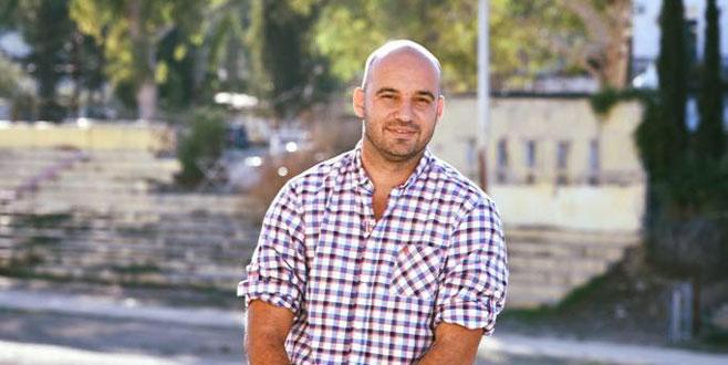 Futbol efsanelerinden Kıbrıslı politikacıya büyük destek