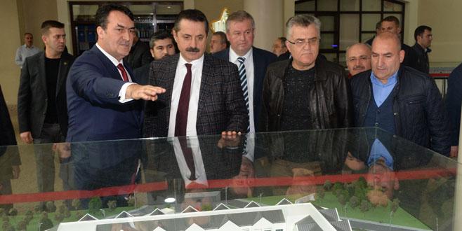 Faruk Çelik'tenDündar'a ziyaret