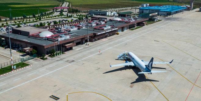 Havalimanından 251 bin yolcu taşındı