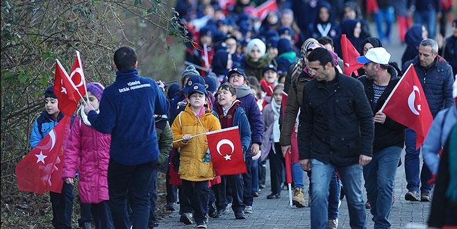 Sarıkamış şehitleri Bursa'da yürüyüşle anıldı