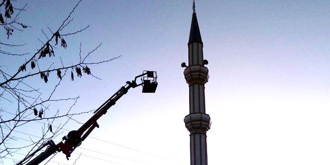 Ecel imamı minarede yakaladı