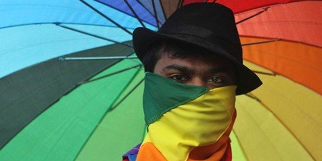 Hindistan eşcinsel ilişkiyi yasaklayan yasayı gözden geçirecek