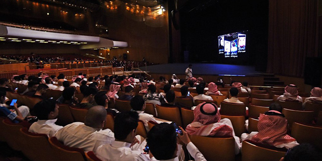 Suudi Arabistan 35 yıl sonra ilk filmini izledi!