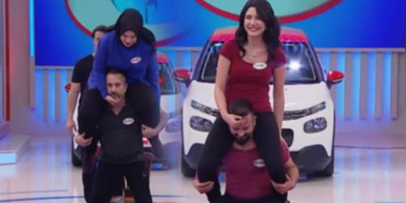 Her şey araba için! Türk televizyon tarihi bunu da gördü