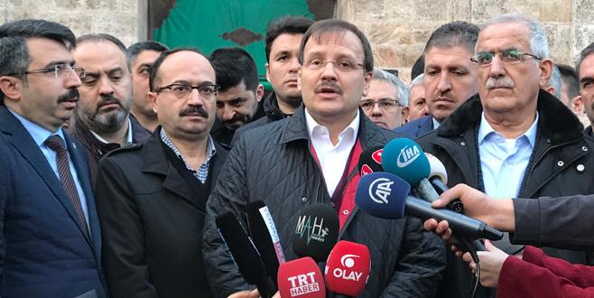 Hakan Çavuşoğlu'ndan operasyondaki askerler için dua