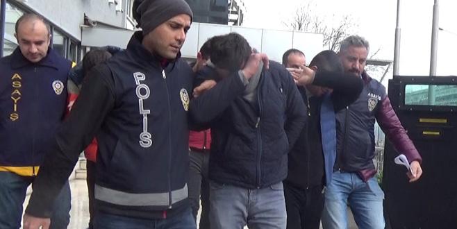 Bursa'da araba hırsızları yakayı ele verdi