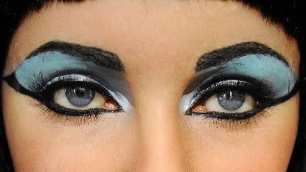 Kleopatra gözlerine bu yüzden sürme çekiyormuş!