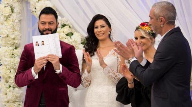 Esra Erol'da evlenen Caner'in Rus mankenle yasak aşkı