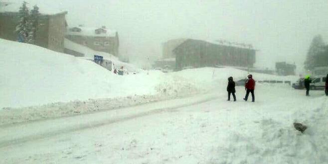 Uludağ'da kar kalınlığı 1,5 metreyi geçti