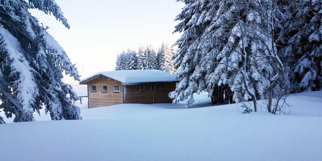 Uludağ'da kar kalınlığı 180 santimetre oldu