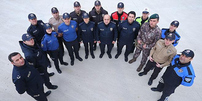 Her üniformalıyı polis sanmayın!