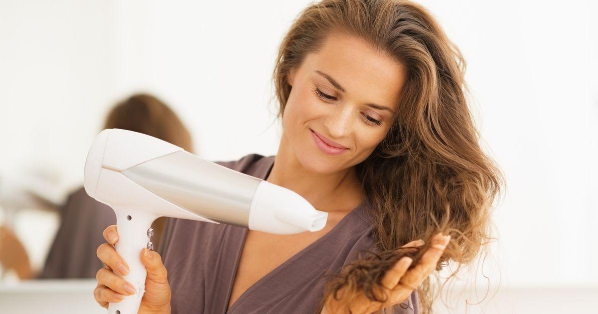 Saç kurutma makinesinin bu faydasını duyunca şaşıracaksınız!