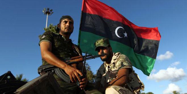 Libya Rusya'dan askeri üs kurmasını istedi
