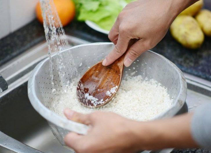 Pirinç pilavına bir küp şeker ekleyin, neler olduğunu görün!