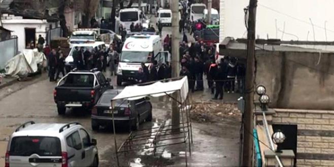 İki aile sokak ortasında çatıştı: 5 ölü, 2 yaralı