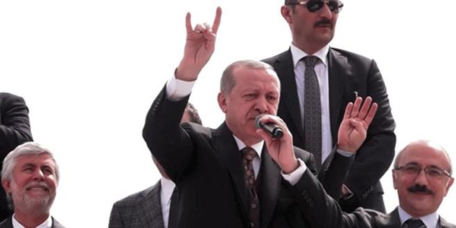 Cumhurbaşkanı Erdoğan'dan 'bozkurt işareti'