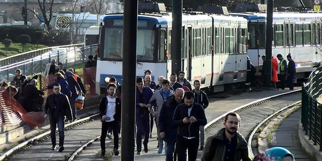 Tramvay yine raydan çıktı
