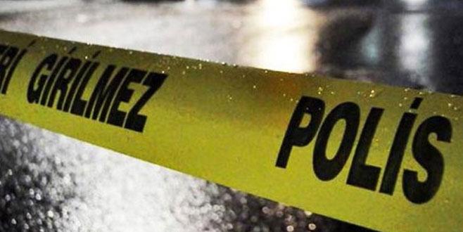 3 yaşındaki çocuğuyla yaşayan kadın evinde ölü bulundu