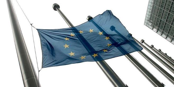 AB'den Türkiye'ye 3 milyar Euro'luk ödemeye onay