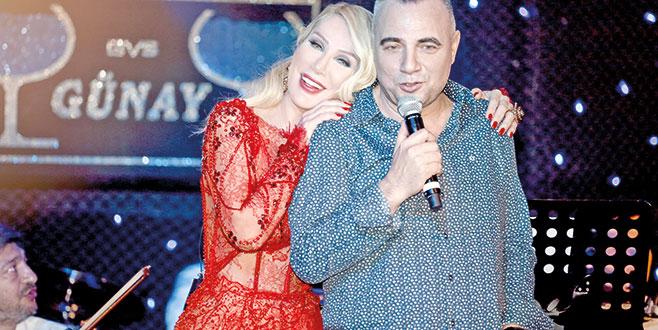 Seda Sayan ve Oktay Kaynarca düeti büyük alkış aldı