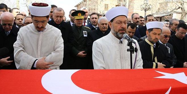 Eski bakan Hasan Celal Güzel'e veda