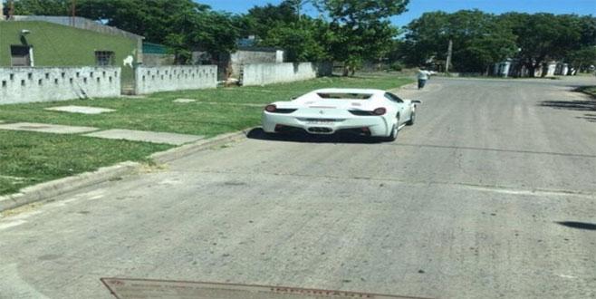Çiftlik Bank'ın 'Tosun'u Uruguay'da manşetlerde! Ferrari'si görüntülendi