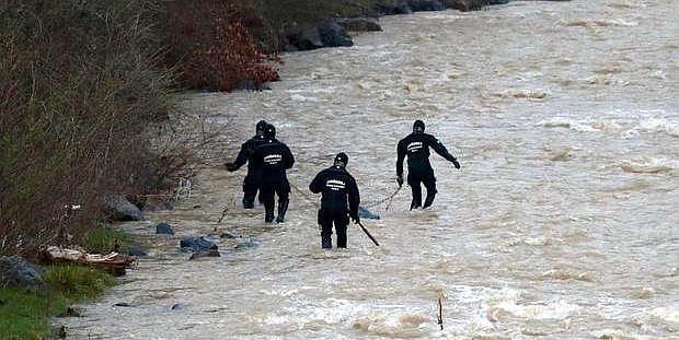 200'ü asker, 100'ü polis 464 personel onu arıyor!